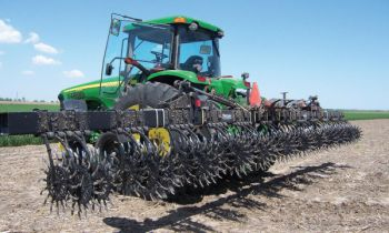 CroppedImage350210-Yetter-Rotary-Hoes-20-a.jpg
